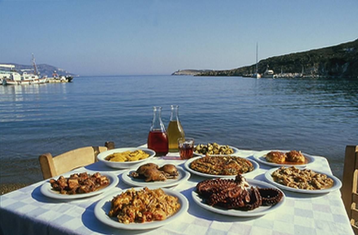 promotion-of-local-food-in-tourism-industry.jpg